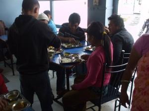 HBF支援16 食事券で振る舞われた食事